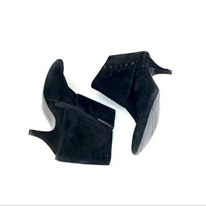 Nine West Black Suede Pointed toe Ankle Boots 7.5